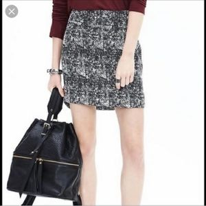 Banana Republic Tweed Skirt Hi-Low Hem Size 8